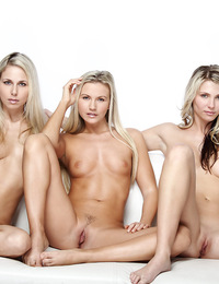 Nicole Willow,Heavens Gate,Three gorgeous blondes posing n